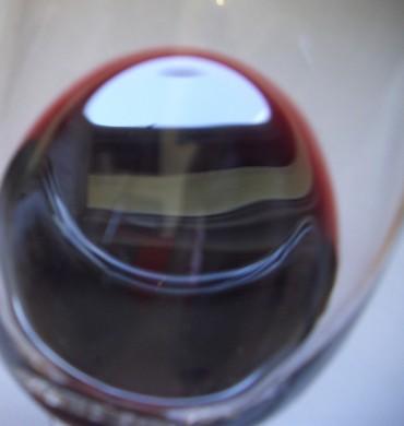 Erste Wein-Kunst-Probe im Gewölbekeller des Künstlers